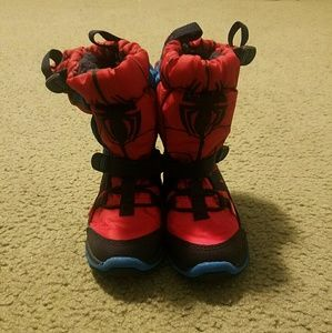Stride Rite boys size 7w Spider-Man snow boots